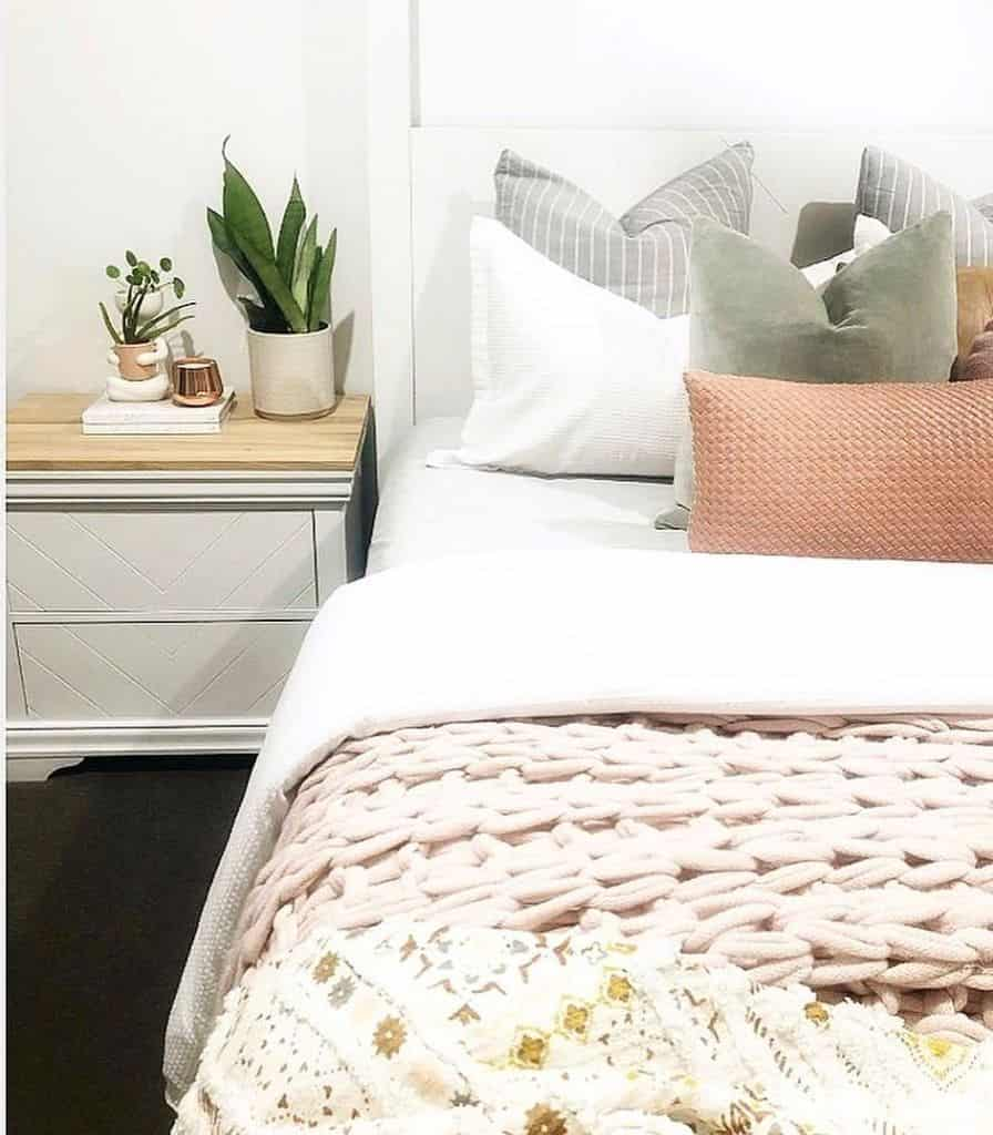 Decorated Guest Bedroom Ideas Coleen Diystylist