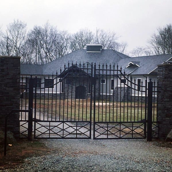Decorative Metal Driveway Gate Ideas