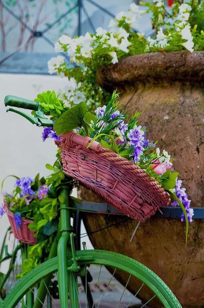 decorative planters and pots 7 Garden Decor Ideas