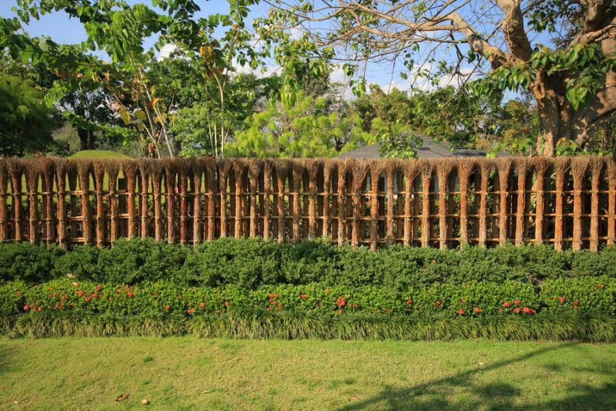 Decorative Wood Fence Ideas (3)