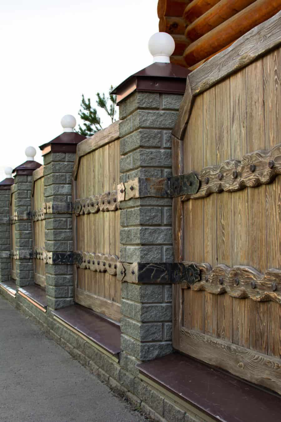 Decorative Wood Fence Ideas (8)