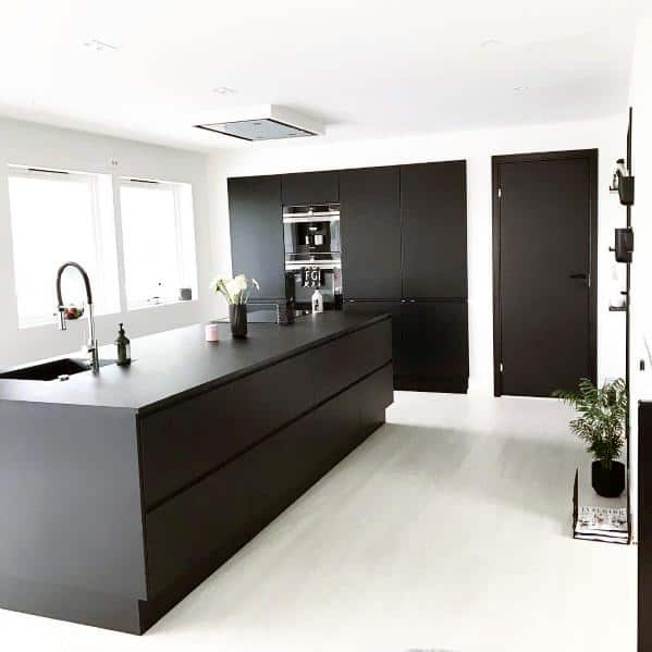 black kitchen countertop ideas