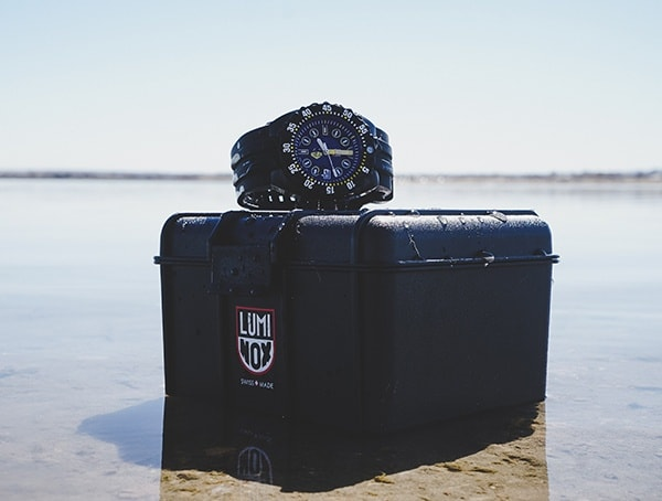 Diving Watch Reviews Luminox Scott Cassell Deep Dive Special Edition 1526