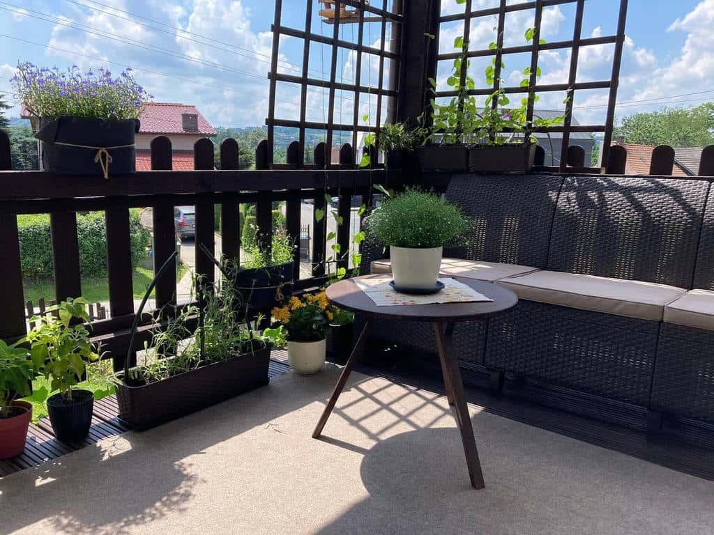 diy apartment patio ideas diyolgi