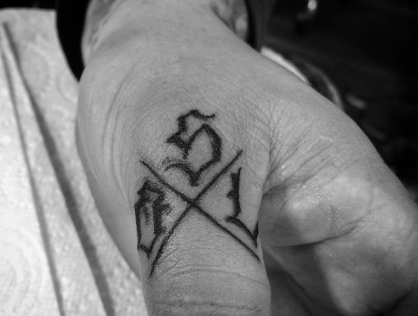 How Fast Do Finger Tattoos Fade - Fading Ink