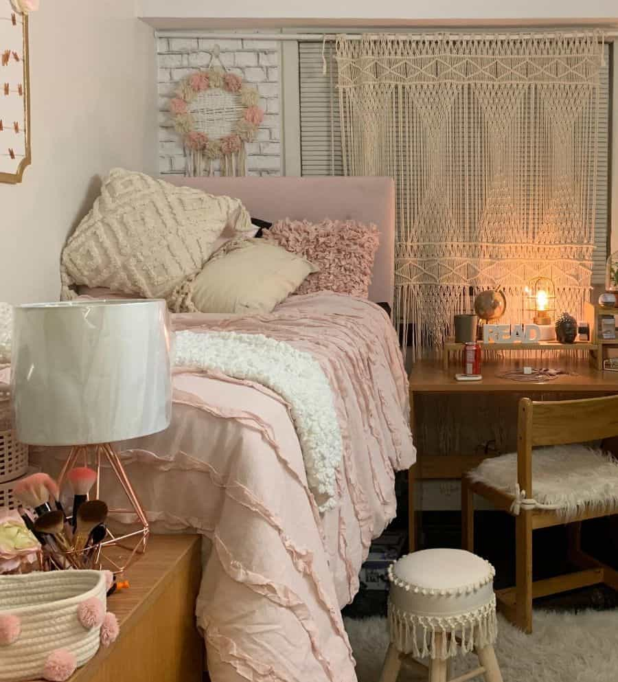 dorm room teen girl bedroom ideas tellythecraftaholic