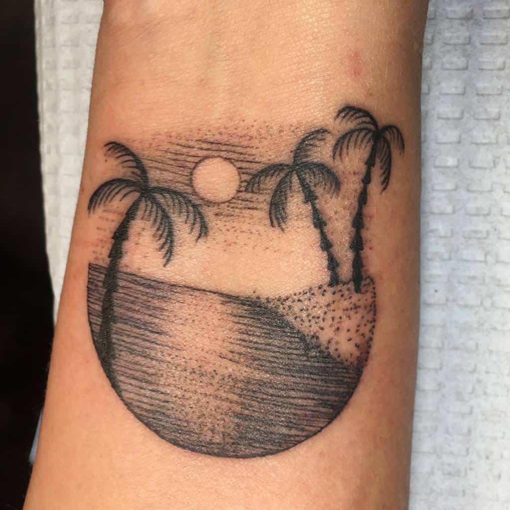 dotwork-nature-beach-life-ocean-tattoo-giactattoo