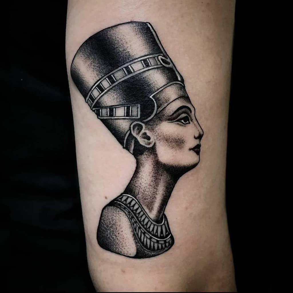 Dotwork Nefertiti Tattoos Daniibenedetti
