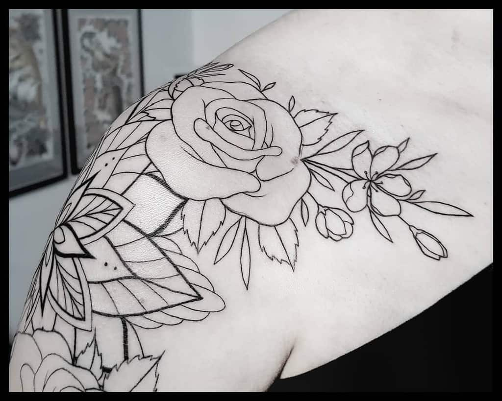 dotwork rose shoulder tattoos maladja_tattoo_art