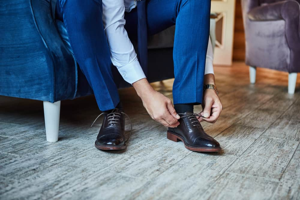 dress shoes business man getting ready