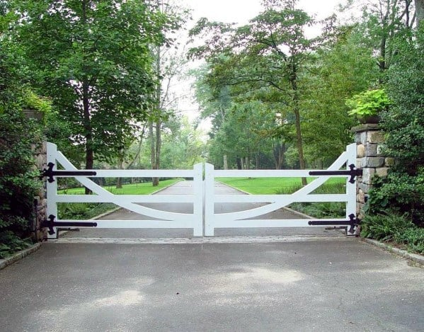 Drivway Entry White Fence Double Gate Ideas