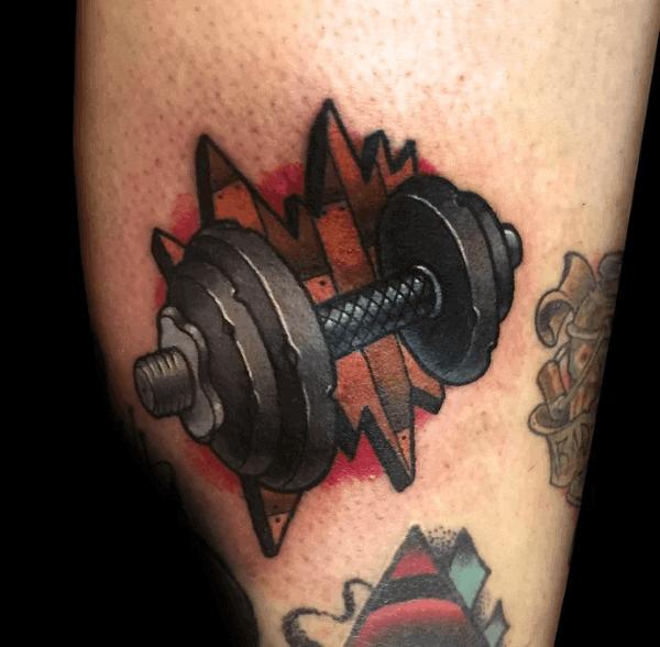 Tatuaje en la pierna, mancuerna pequeña