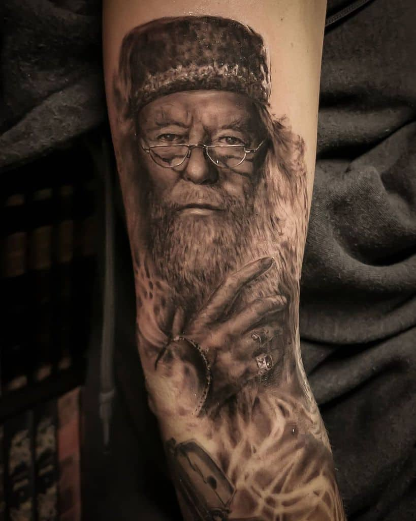 dumbledore-realistic-harry-potter-tattoo-gorestyles-realism-3