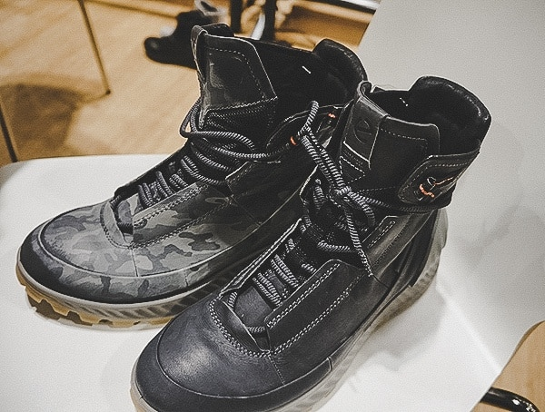 Ecco Black To Camo Boot Effect