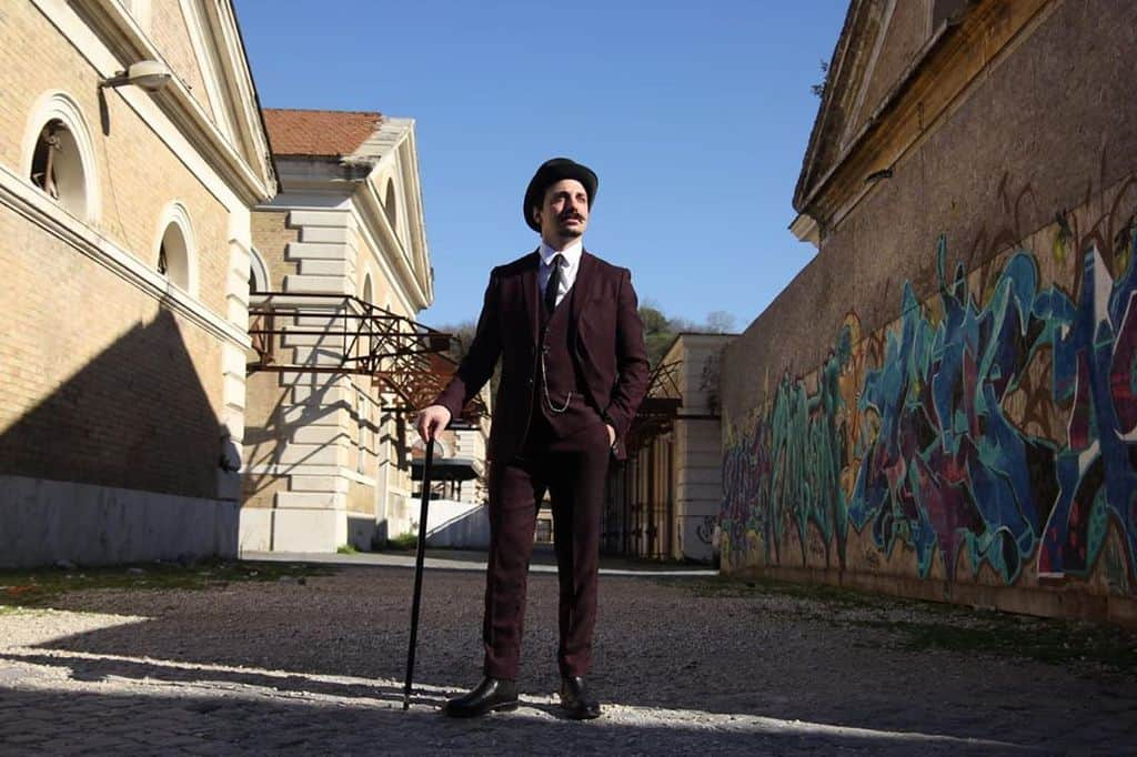 Elegant Victorian Suit Style