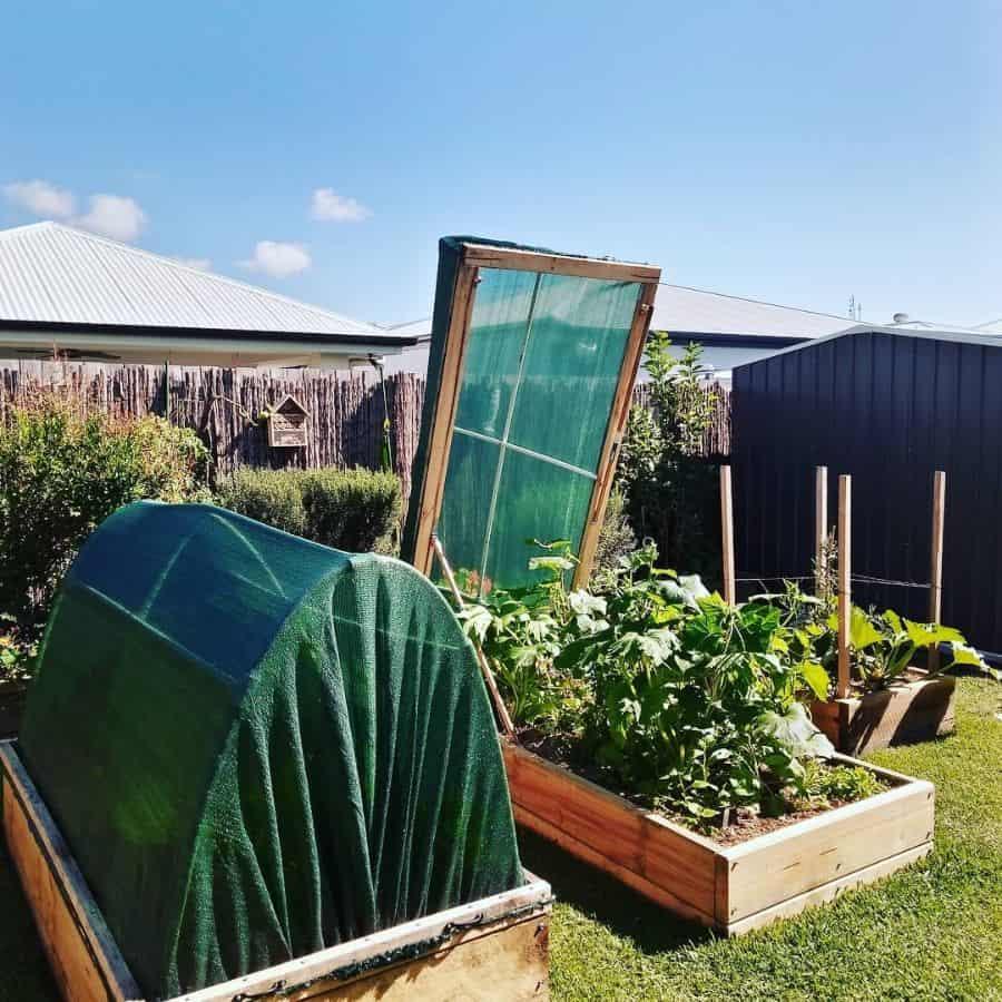 enclosed raised garden raised garden bed ideas living_a_simple_life_