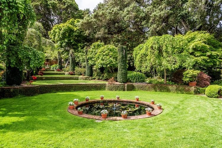 English Style Garden Backyard Fountain