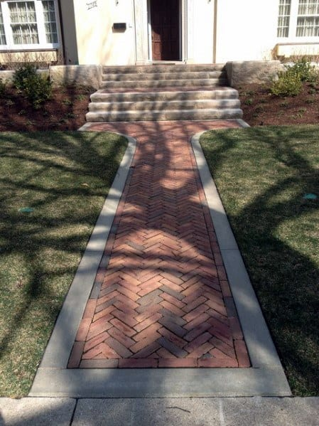 Exceptional Chevron Brick Walkway Ideas For Front Yard With Concrete Border