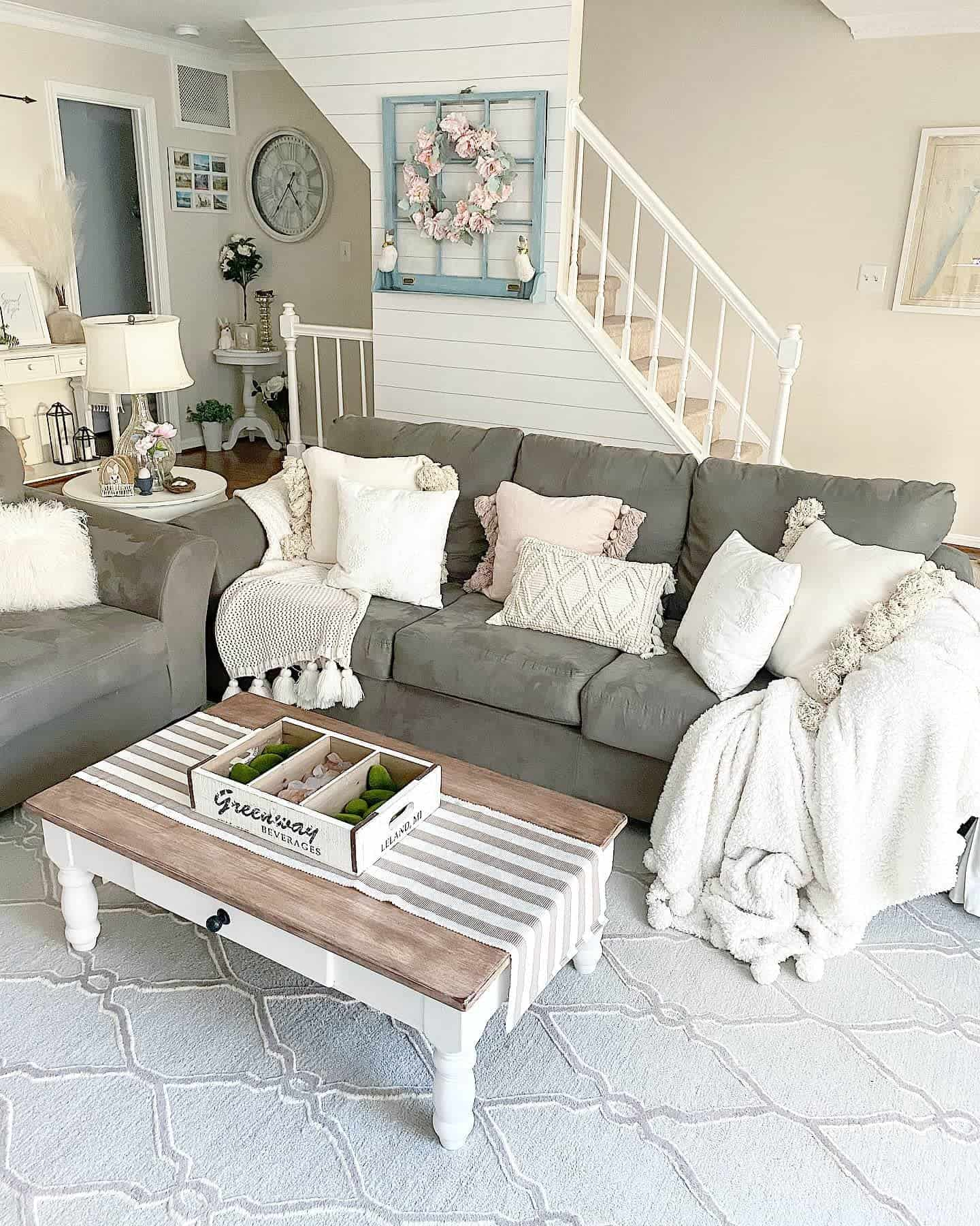 Farmhouse Chic Farmhouse Living Room Ideas Shorelycozy