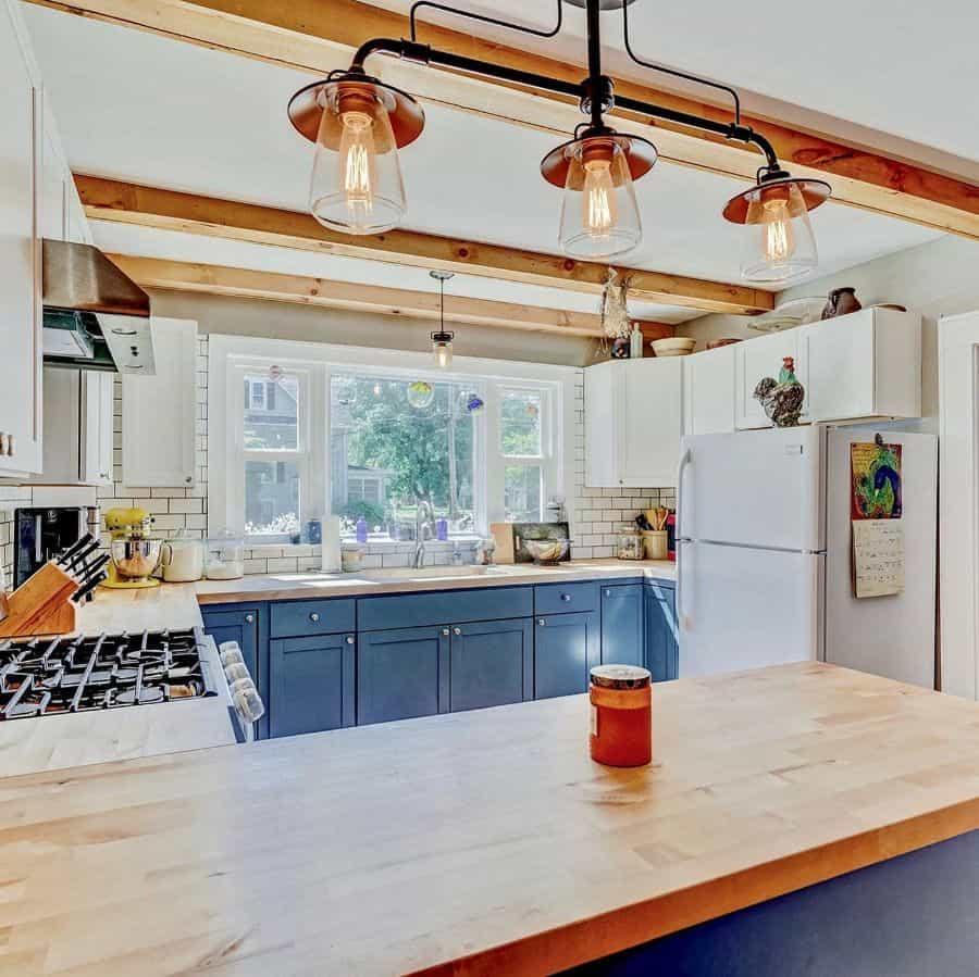 farmhouse kitchen window ideas sararae_realtor