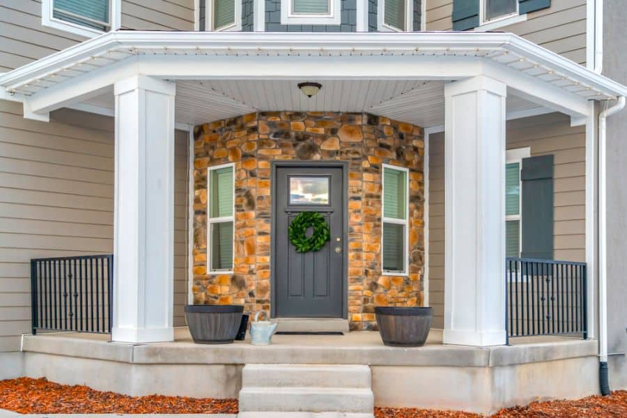 Farmhouse Style Porch Ideas 3
