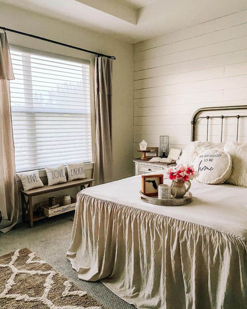 farmhouse vintage vintage bedroom ideas soflafarmhousedecor