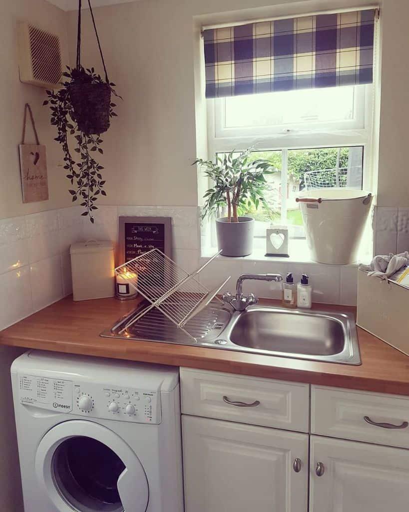faucet laundry room sink ideas abi_elliott_nqn_caloriecounter