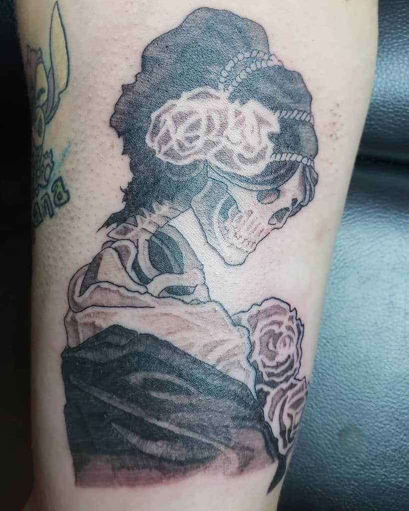 feminine-leafsink-black-and-gray-skull-rose-tattoo-coal1977