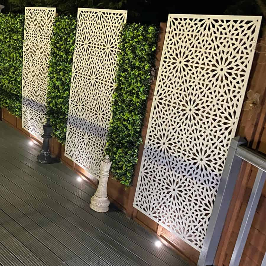 fence and wall decor garden decor ideas bookcoverbydesign