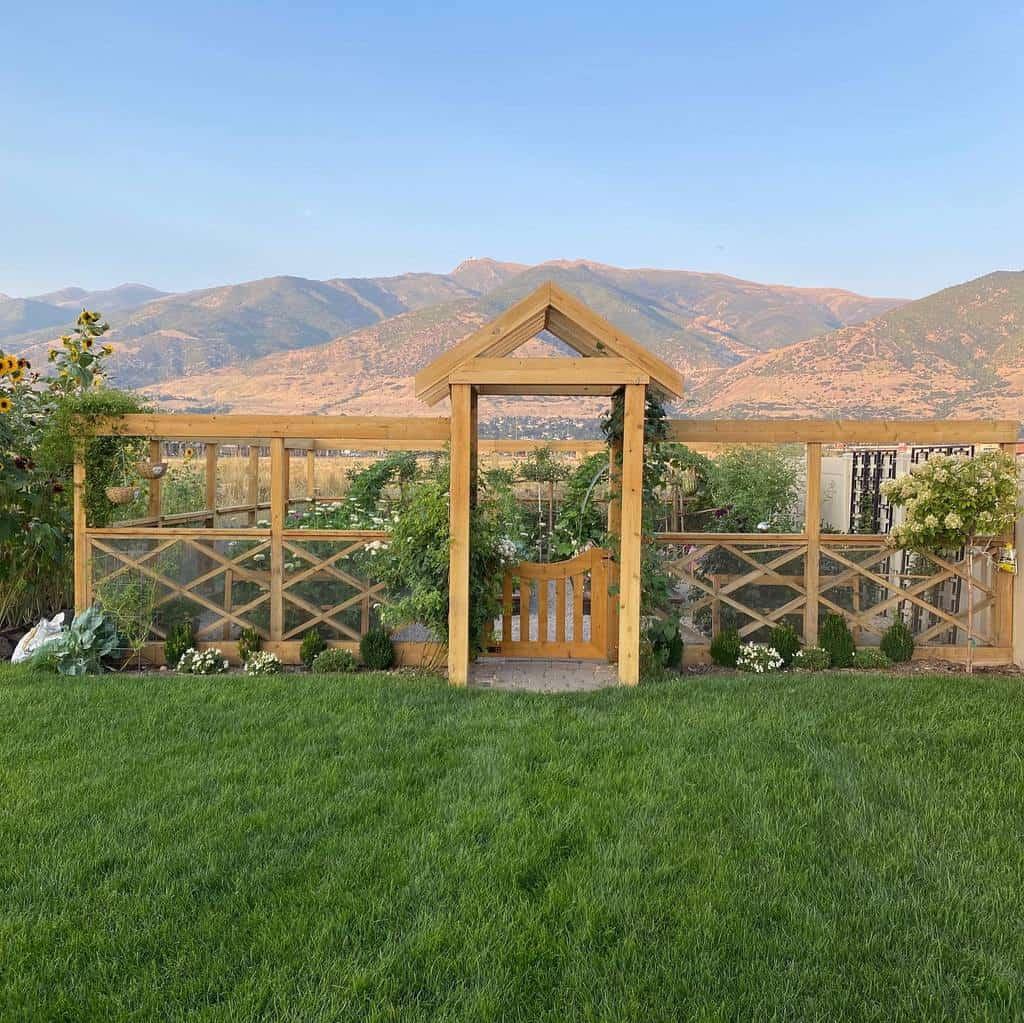 fence garden trellis ideas sisters.inthe.garden