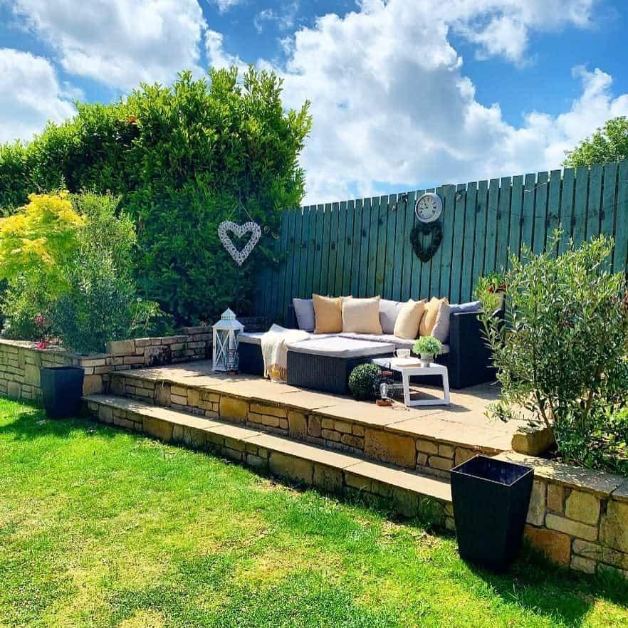 fence patio privacy ideas edge_of_barley