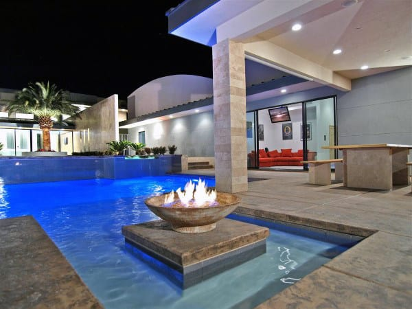 Fire Pit In Middle Of Home Swimming Pool Luxury Designs