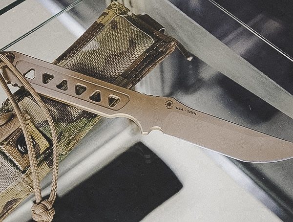 Fixed Blade Tactical Knife With Multicam Camo Shealth