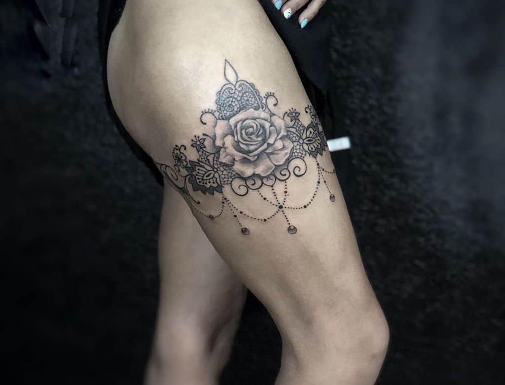 Flora Lace Thight Tattoo