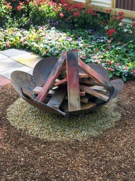 Flower Petal Shaped Steel Fire Pit Design Ideas