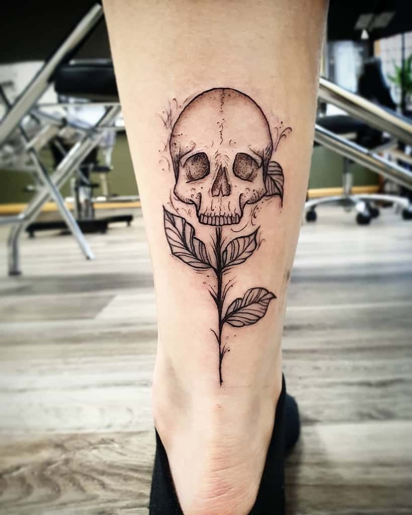 flower-skull-and-rose-calf-tattoo-johastietattoo