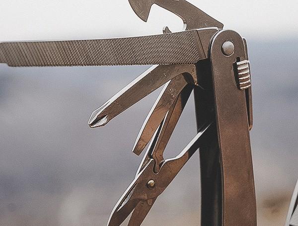 Folding Multi Tool Victorinox Swisstool Spirit Xc Review