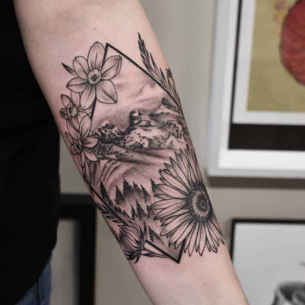 forearm-geometric-flower-tattoo-strange.artistries