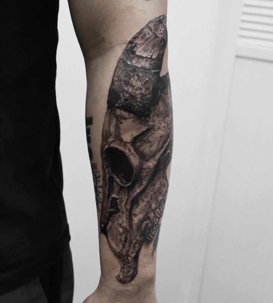 forearm ram skull tattoo ethan_thezoomtattoo