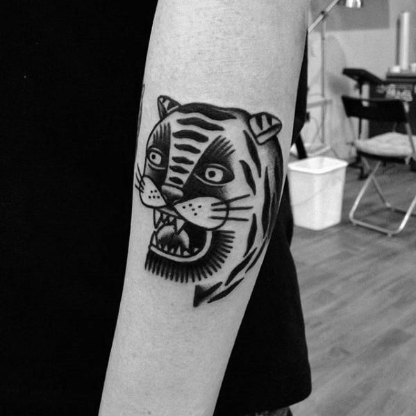 Forearm Tiger Head Simple Traditional Tattoos For Men