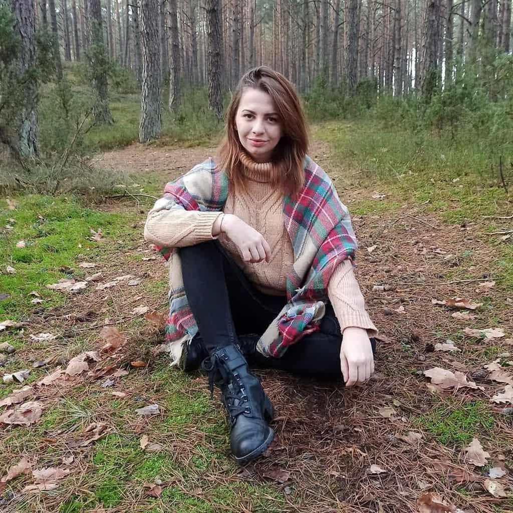 Forest Lover Girl Vintage Style