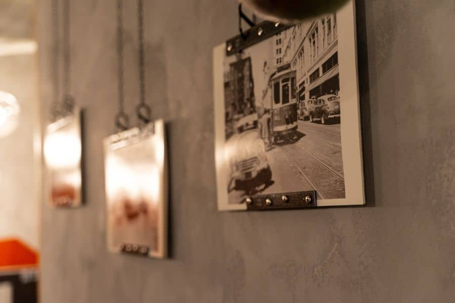 Frame And Hanger Picture Wall Ideas 1