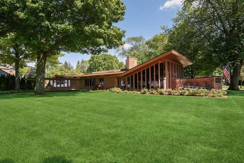 The Harper House by Frank Lloyd Wright for Sale After 25 Years