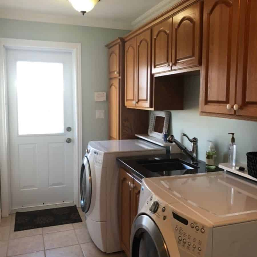 free standing laundry room sink ideas nat.interiors