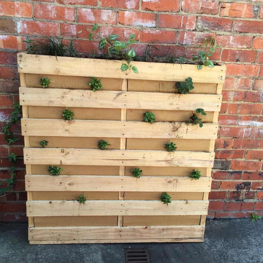 freestanding pallet planter garden ideas candobooks