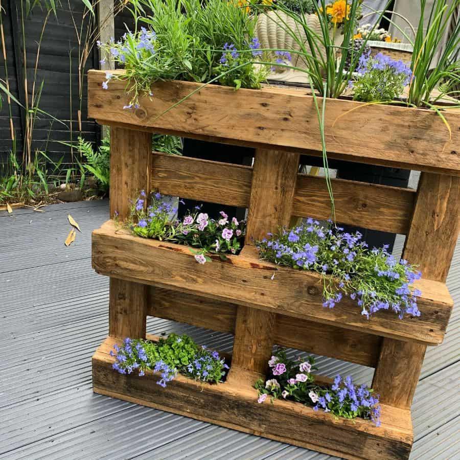 freestanding pallet planter garden ideas purepallets