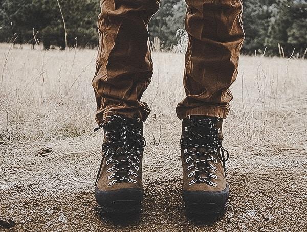 Front Garmont Dakota Lite Gtx Boots On Dirt Trail Outdoors