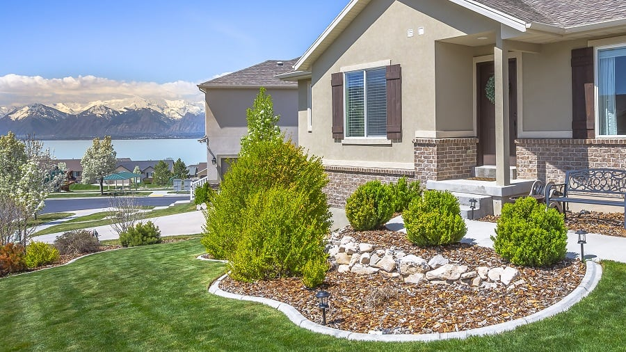 Backyard Flagstaff Rock Patio Landscaping Ideas