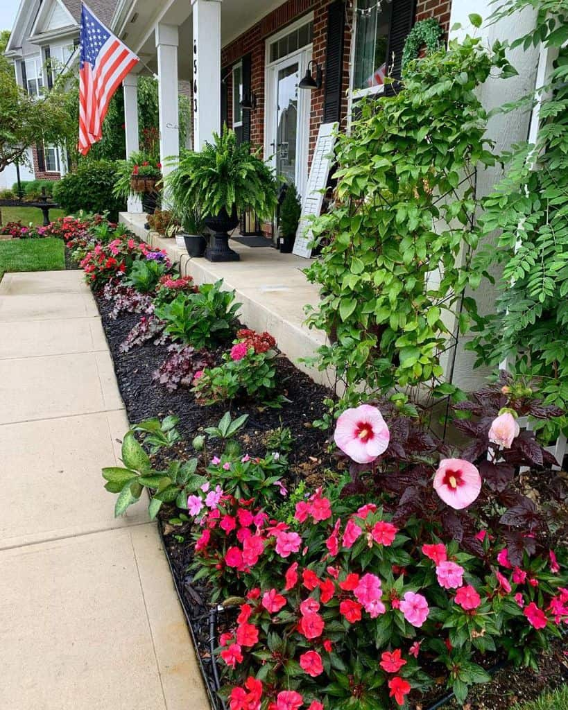 frontyard flower bed ideas smallhomegarden