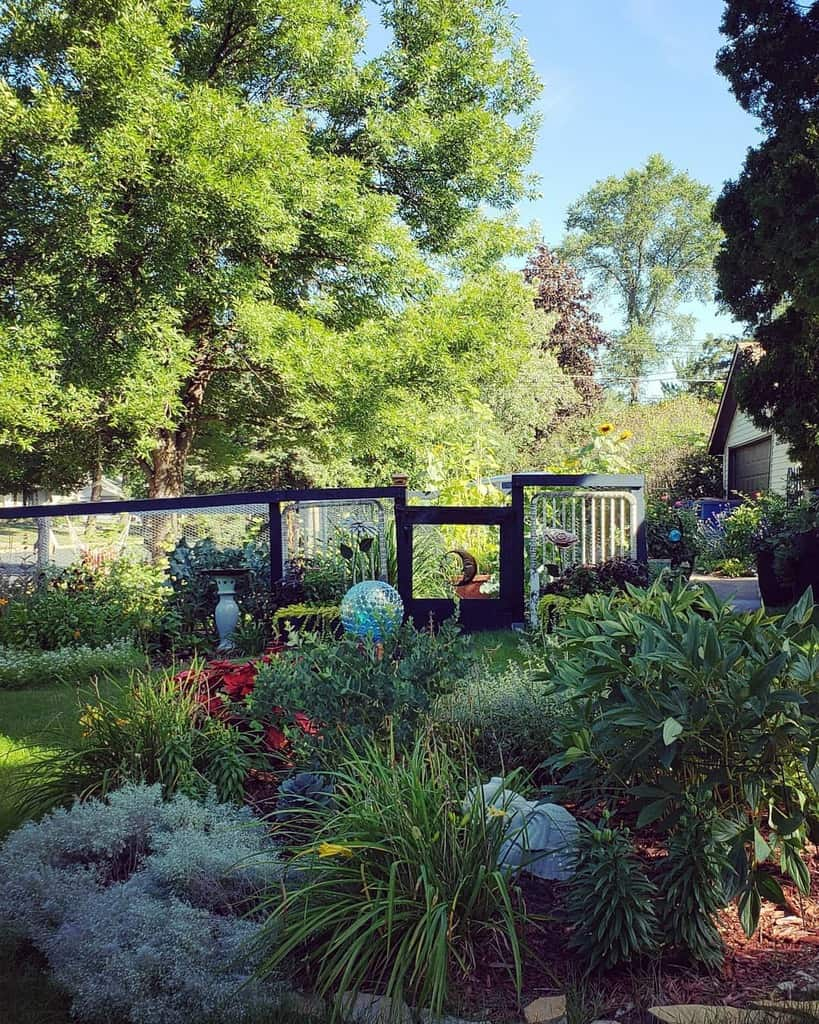 frontyard shade garden ideas grass.to.garden